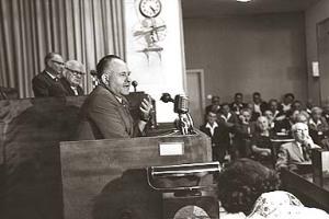 מסר לסובייטים תוכניות אופרטיביות. משה סנה. צילום: ארכיון הכנסת