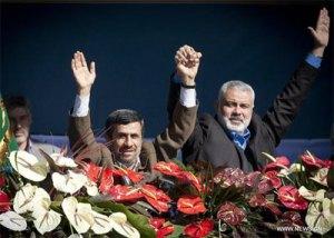 בצילום: איסמעיל הנייה (מימין) ואחמדינג'אד בחגיגות לציון 33 שנה למהפכה האיראנית