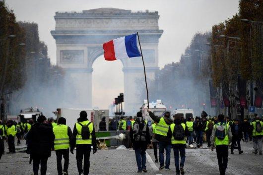 לאומנות בדלנית. תנועת האפודים הצהובים בצרפת.